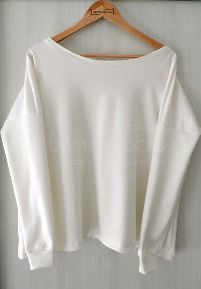 R$ 100,00 - Blusa Morcego Moletom Off White